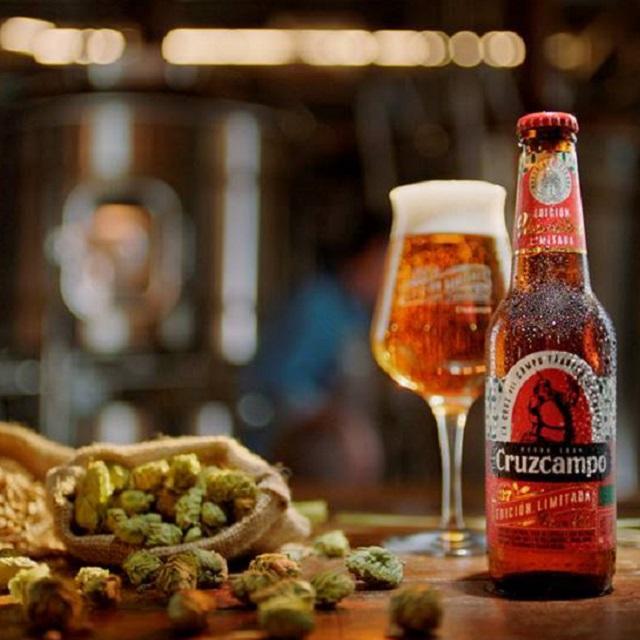 Cerveza CruzCampo Edición Limitada Navidad -botella